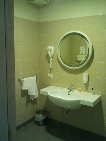 Regal Hotel and Apartments: Bagno