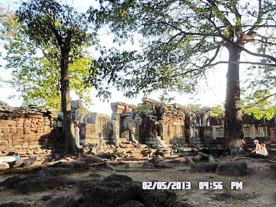 Main Hall - Picture of Prasat Hin Phimai (Phimai Historical Park), Nakhon Rat...