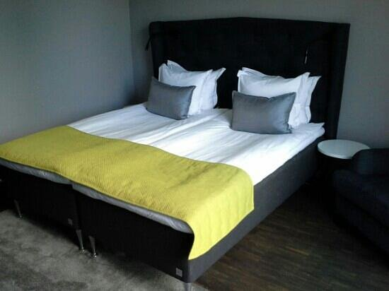 Pop House Hotel, BW Premier Collection : bed