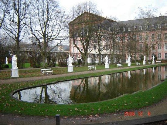 Hotel Deutscher Hof: Keizerlijke tuinen