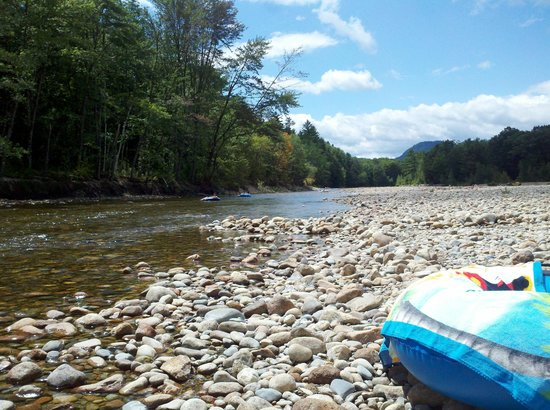 Glen Ellis Family Campground: Saco River at Glen Ellis