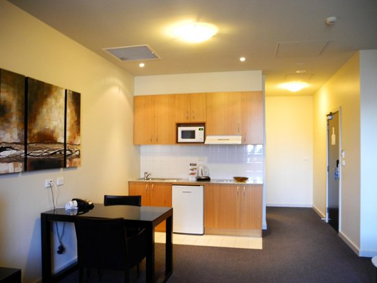 Oaks on Market: Studio Apartment