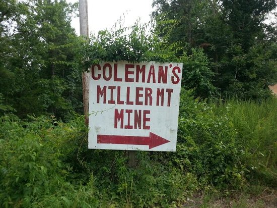 Coleman Crystal Mines and Rock Shop-Jim: mine entrance sign