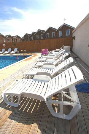 Waterside Park: the pool