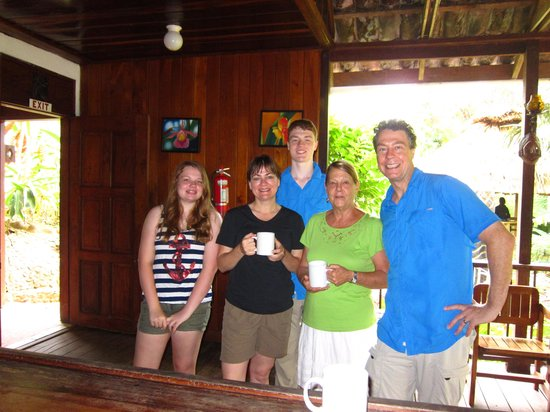 duPlooy's Jungle Lodge: Coffee with gracious owner Judy Duplooy in the morning.