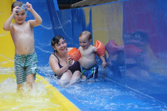 Barnsley, UK: Splash Ahoy with the Family