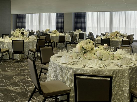 DoubleTree by Hilton Hotel Cedar Rapids Convention Complex : Parlor Ballroom on the 16th Floor