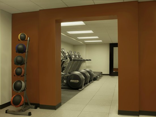 DoubleTree by Hilton Hotel Cedar Rapids Convention Complex : Fitness Center