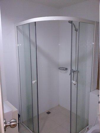 Grand Alpine: Shower area