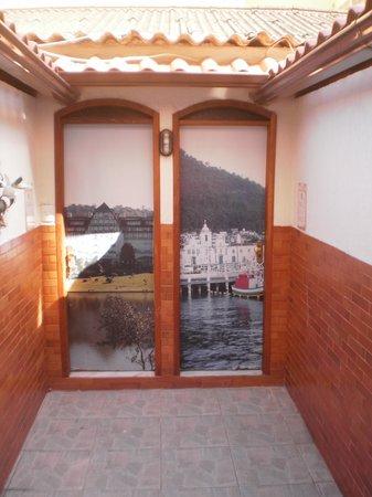 Hostel Republica: Porta dos Chalés