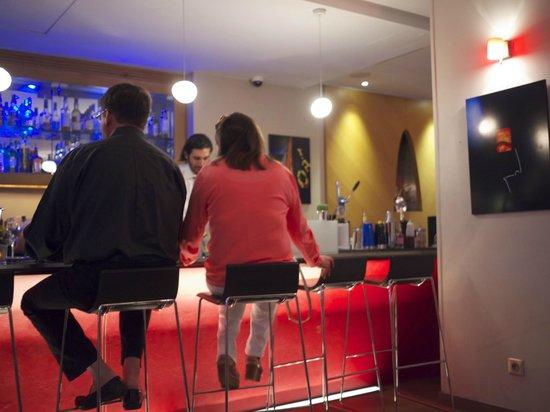 Hotel Le Six: Bar