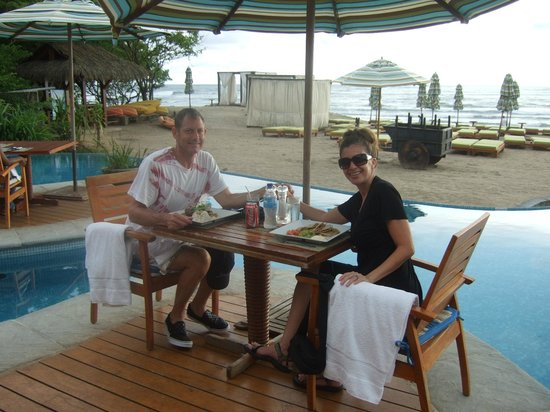 JW Marriott Guanacaste Resort & Spa: dining by the pool
