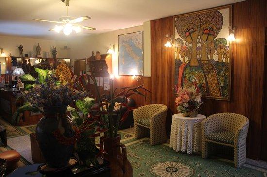 Manuela's Residence: reception