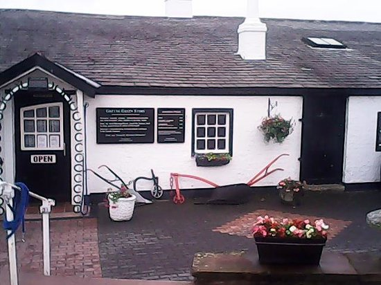 Gretna Green Blacksmith Shop: COTTAGE