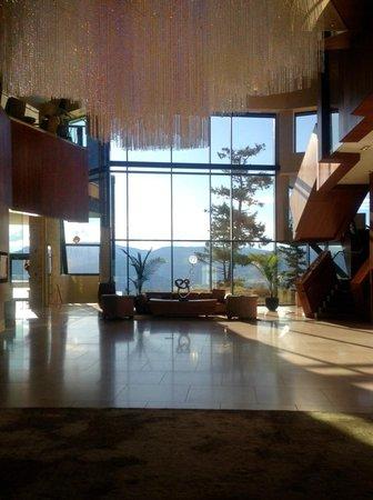 Sparkling Hill Resort: Lobby