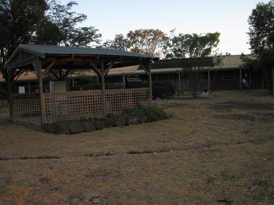 Aristocrat-Waurnvale Motel: Ready to grill