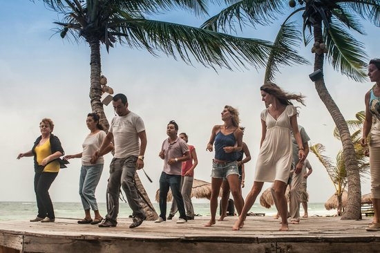 La Zebra: Dance salsa on the beach every Sunday!
