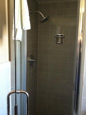 Motel Capri: Shower
