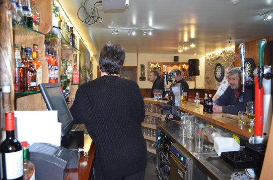 Bowmore Hotel : public bar