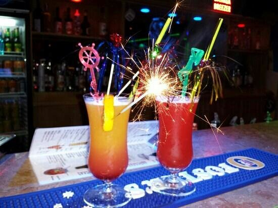 Maxwell Holiday Club: cocktails at maxwell