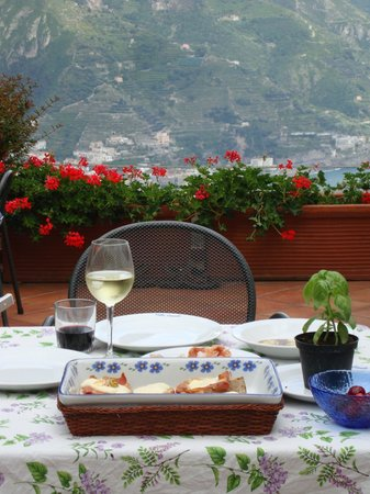 Villa Casale : Lunch in an ideal setting