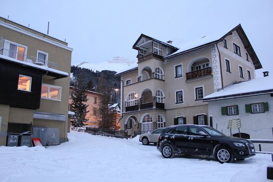 Hotel Dischma: around the hotel
