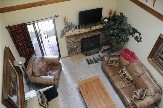 Mountainside Condos : Comfortable living room