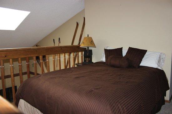 Mountainside Condos : loft area