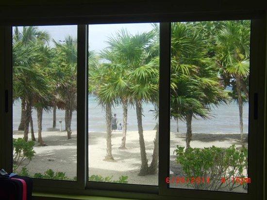 Laru Beya Resort & Villas: View from bedroom window