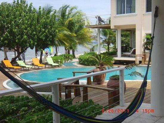 Laru Beya Resort & Villas: Pool from patio