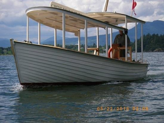 Greylag Boat Tours - Private Sails: on the way to Genoa Bay