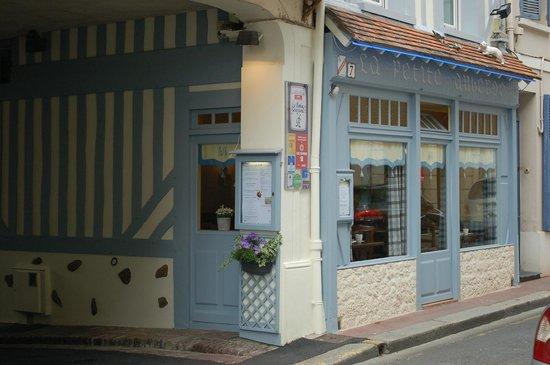 La Petite Auberge: l'extérieur du restaurant