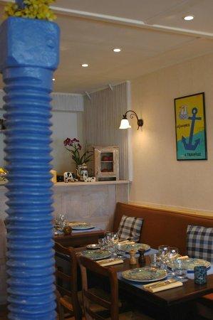 La Petite Auberge: l'intérieur du restaurant