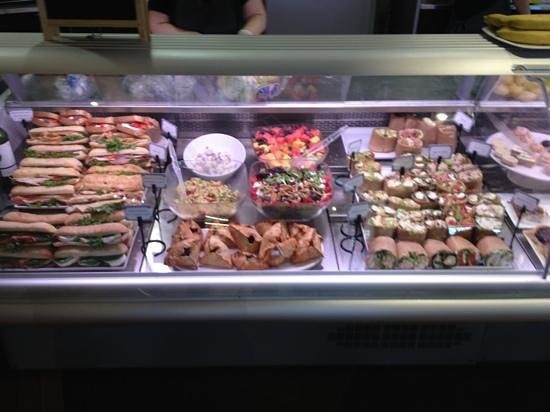 L'Artisan Cafe & Bakery: sandwiches