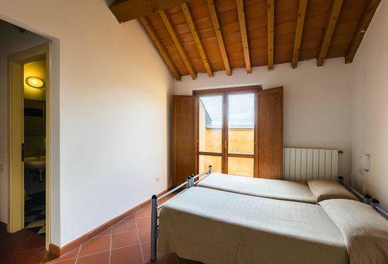 Camera doppia picture of student 39 s hostel gowett for Pirolitica doppia camera