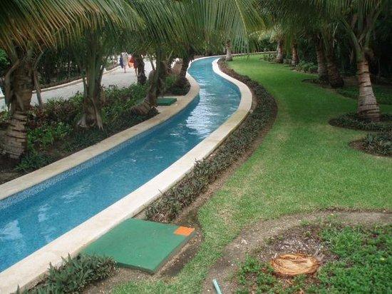 walkover lazy river picture of grand sirenis riviera maya resort spa akumal tripadvisor. Black Bedroom Furniture Sets. Home Design Ideas