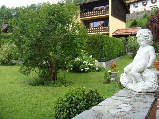 Landhaus Weikert: Blick in den Garten