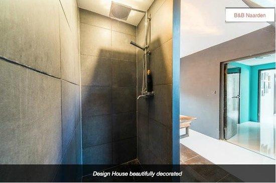 Design B&B Naarden-Vesting: Bathroom