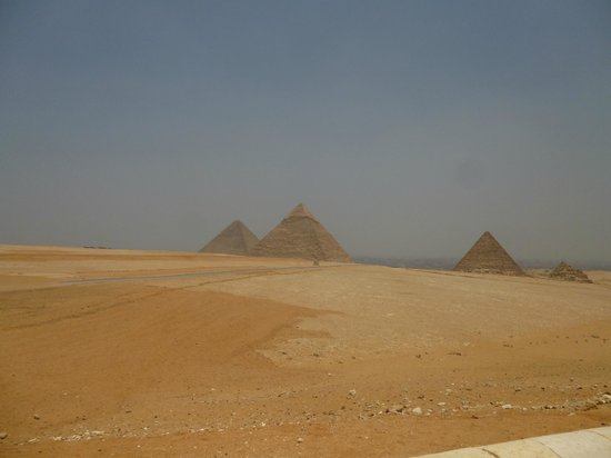 Ramasside Tours - Day Tours: The Pyramids of Giza