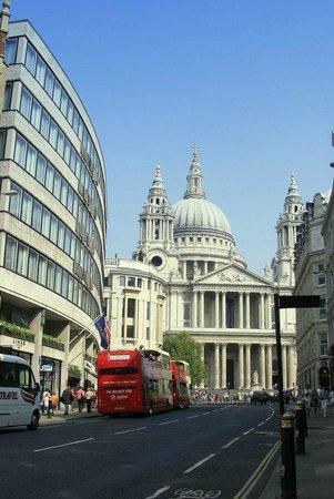 YHA London St Pauls: A uma quadra de St. Pauls Cathedral