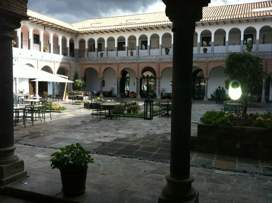 JW Marriott El Convento Cusco: Lindo o hall interno!!