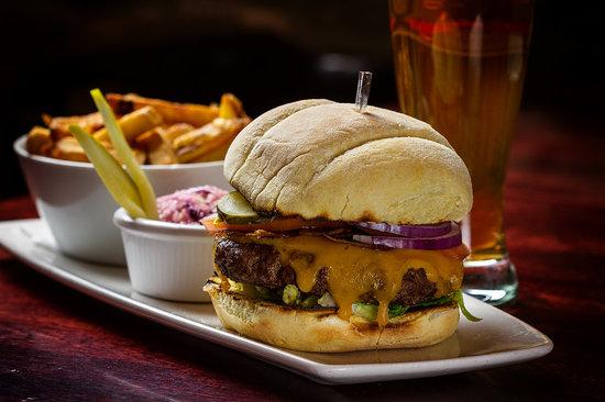 The Waring House : The County Burger at The Barley Room