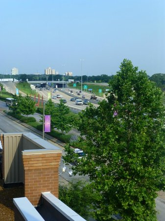 Hampton Inn & Suites St. Louis at Forest Park: View from the room