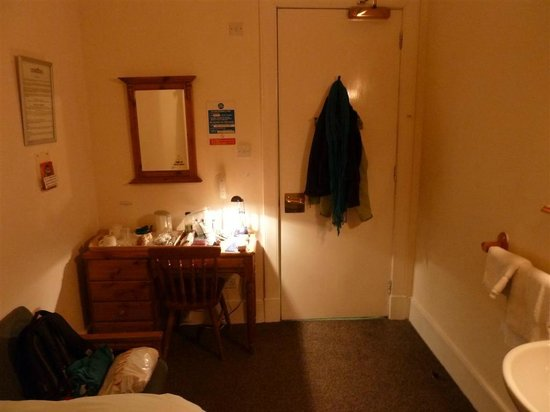 Adelaides : single room