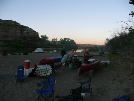 Centennial Canoe Outfitters: Early Morning on the Green River