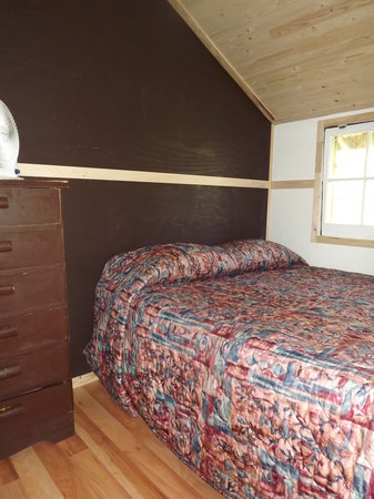 Plank Road Cottages & Marina: Renovated Cottage 7