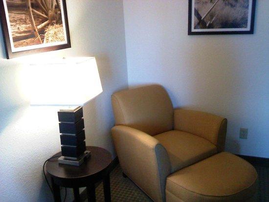 وينجيت باي ويندام فريسكو تكساس: King room Suite Styled