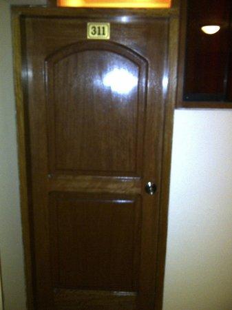Siete Ventanas Hotel: puerta entrada