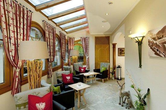 Hotel Garni Alpenland: Wintergarten