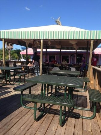 Castaways Restaurant Bar & Grill